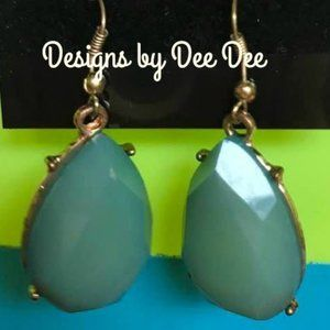 Gold Tone Teal Bead drop Earrings
